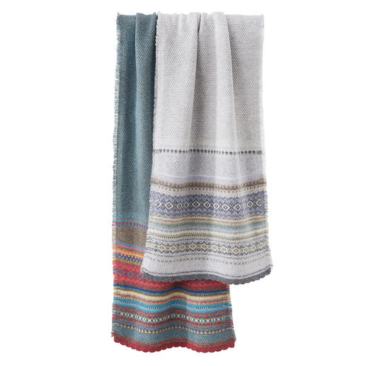 Eribé Fair-Isle-sjaal Modern uitgevoerd Fair-Isle-breisel van zuivere Schotse lamswol. Van Eribé.