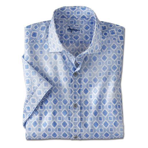 Luchtig overhemd met korte mouwen, in een uniek mousselineweefsel. Luchtig overhemd met korte mouwen, in een uniek mousselineweefsel. Van Ingram.