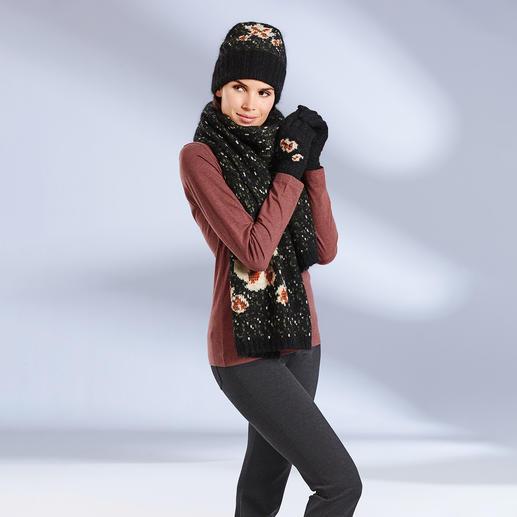 TWINSET sjaal, muts of handschoenen van gebloemd breisel 100% TWINSET. 100% modieus: unieke combinatie van drie grofgebreide accessoires met stijlvol bloemenmotief.