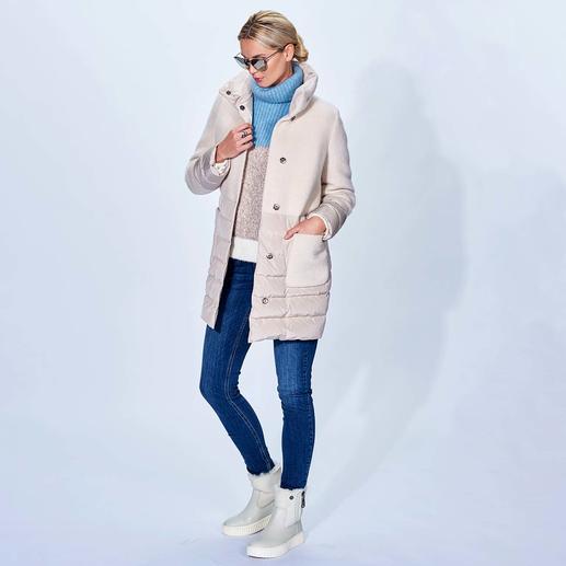 Seventy korte jas van lichte dons Trend-duo lichte dons + wol. Modieus geperfectioneerd: A-lijn, lang, matte optiek, modekleur offwhite.