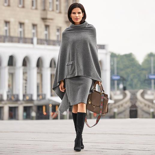 Henriette Steffensen fleeceponcho of -rok De elegante manier om fleece te dragen. Poncho en rok van Henriette Steffensen. Scandinavisch design.