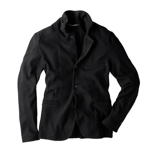 Vormvast als een net colbert. Flexibel als een comfortabel vest. Vormvast als een net colbert. Flexibel als een comfortabel vest. Colbert van walkwol, van Hannes Roether.