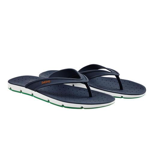 Gun uw voeten wat lucht. Gun uw voeten wat lucht. Deze badslippers 'Breeze' zorgen zelfs voor lucht aan de onderkant van de zolen.