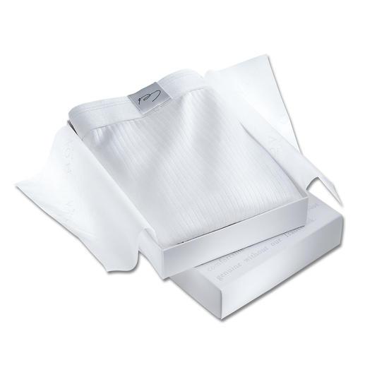NOVILA-ondergoed Zijdezacht en nauwelijks voelbaar op uw huid – hierbij slijtvast, vormvast en gemakkelijk te wassen.