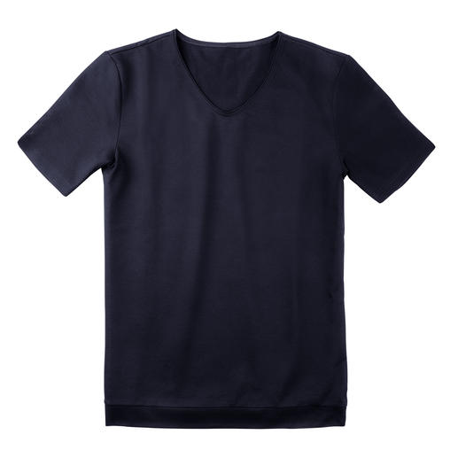 Piqué-pyjamabroek, -short of -shirt Luchtig als een poloshirt, verzorgd als een vrijetijdspak. Pyjama van Zwitsers katoen-piqué.
