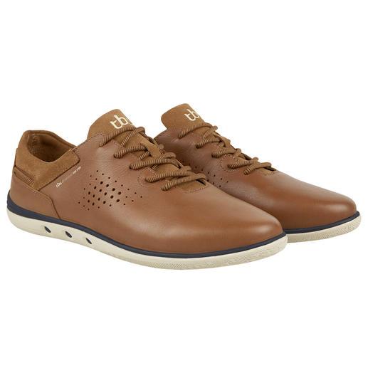 TBS wasbare leren sneaker Klaar met schoenen poetsen. Deze zomers lichte leren sneakers wast u eenvoudig in de wasmachine. Van TBS.