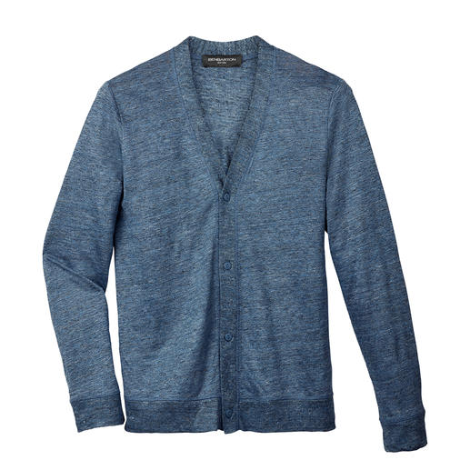 Fijn in plaats van grof gebreid: stijlvol linnen vest. Fijn in plaats van grof gebreid: stijlvol linnen vest. Ook mooi onder een colbert en met een nette pantalon.