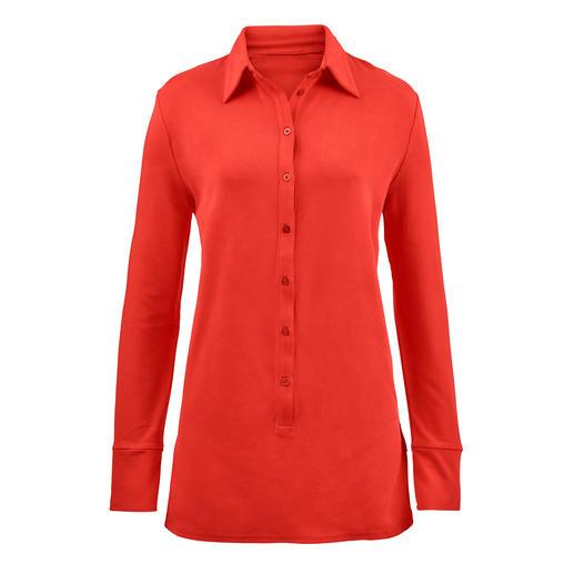 Lange Tencel®-blouse Ontdek onze lange blouse van unieke Tencel®-jersey. Zo comfortabel als een shirt, zo elegant als een blouse.