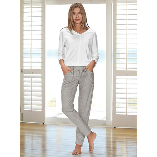 HFor sweatshirt of sweatbroek Heerlijk comfortabel. Trendy model waarmee u ook buiten gezien mag worden en dat aantrekkelijk geprijsd is.