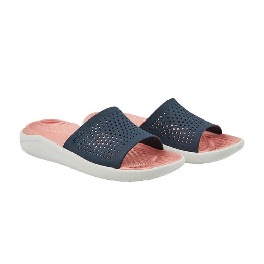 Crocs™ LiteRide™ badschoenen voor dames De comfortabele Crocs™ zijn nu nog verder verbeterd. De nieuwe LiteRide™-collectie is 40% zachter, 25% lichter.