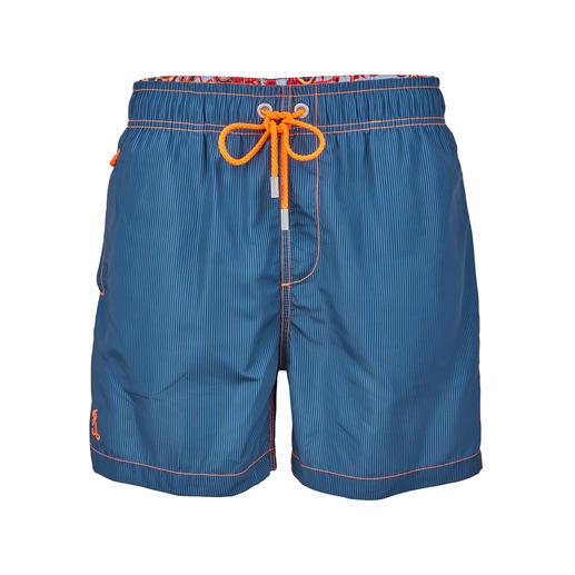 Ramatuelle zwemshort lotuseffect, blauw - Het lotuseffect laat water in druppels van de zwemshort afrollen.