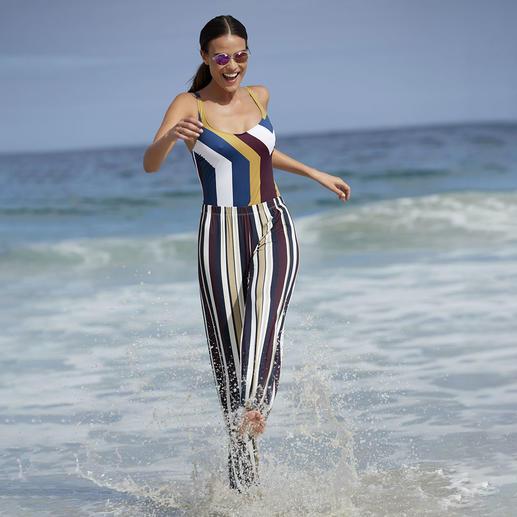 Modellerend badpak en Marlene-broek