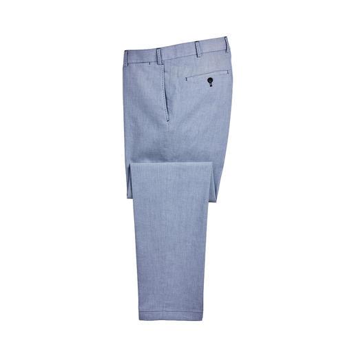Oxford-weefsel: als overhemd een geliefde klassieker. Als broek helaas nog moeilijk te vinden. Oxford-weefsel: als overhemd een geliefde klassieker. Als broek helaas nog moeilijk te vinden.