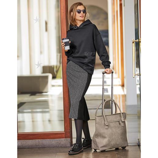 Strenesse kokerrok met visgraatdessin Heel modieus en superelegant en daarbij net zo comfortabel als homewear: kokerrok van Strenesse.
