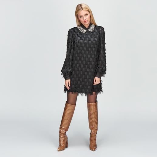 be Blumarine black dress Franje, stippen, sierkraag: spectaculair Blumarine-design, zonder het bijbehorende dure prijskaartje.