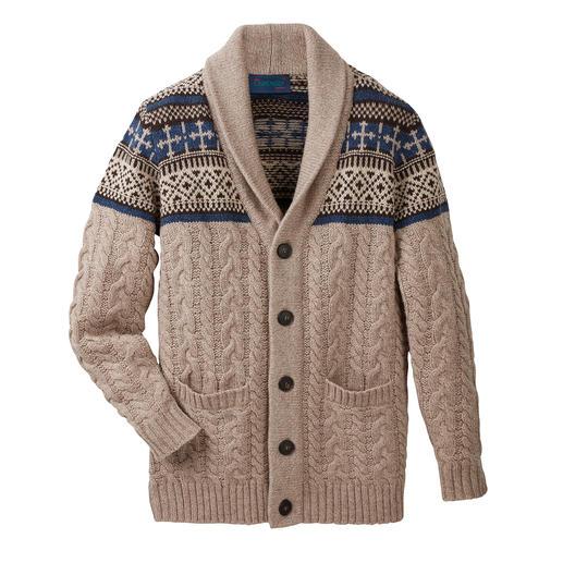 Carbery vest met sjaalkraag Met sjaalkraag, kabelmotief en Noors motief. Uit het luxe-breiatelier van Carbery uit Clonakilty.