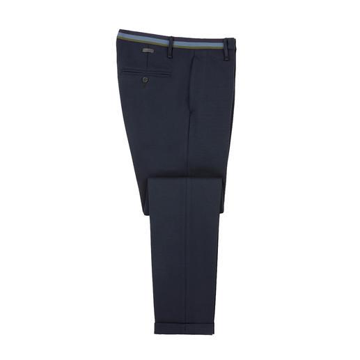 Chique kostuumstof-look, modern slim fit-model en het draagcomfort van homewear. Chique kostuumstof-look, modern slim fit-model en het draagcomfort van homewear.
