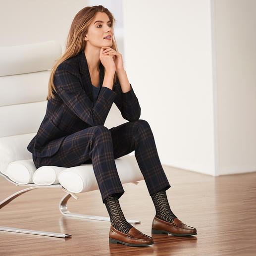Seventy geruite broek of blazer Modieuze make-over van het klassieke geruite pak: nieuwe kleuren en een kwaliteit van zachte wol-jersey.