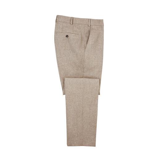 Stevig en waterafstotend als klassiek loden, maar veel zachter en lichter. Deze winterse nette broek is zowel geschikt voor een zakelijke afspraak als voor een wandeling in het bos.