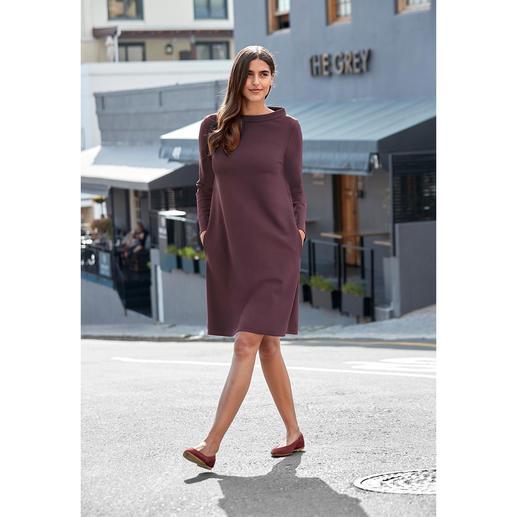 Barbara Schwarzer jurk in A-lijn Functioneel als wollen jersey, mooi als functionele jersey. Van de kledingspecialist Barbara Schwarzer.