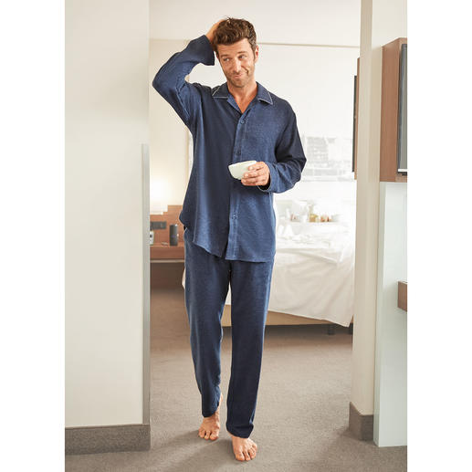 NOVILA flanellen pyjama voor heren De pyjama waarmee u de dag stijlvol begint.
