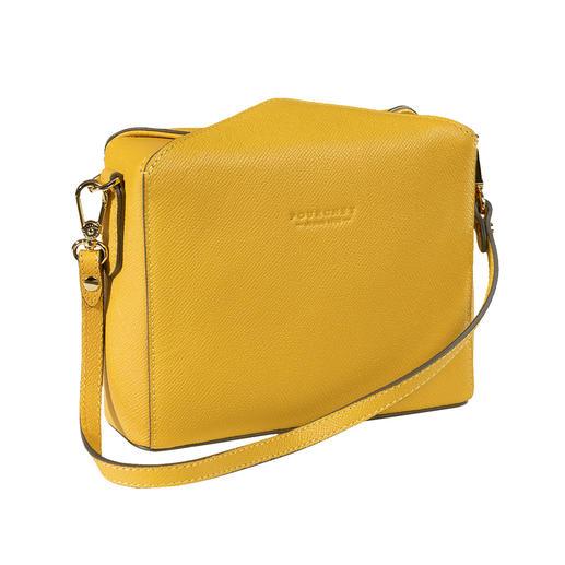 Trendmodel van nu gaat hand in hand met tassentraditie sinds 1903. Trendmodel van nu gaat hand in hand met tassentraditie sinds 1903. De boxy-bag van Pourchet Paris.