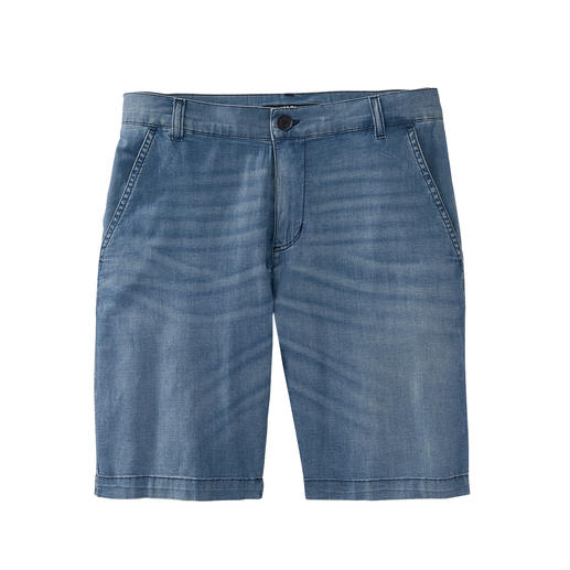 Karl Lagerfeld jeansbermuda 7 oz. light-denim maakt deze jeansbermuda heel luchtig en dus ideaal voor de zomer. Van Karl Lagerfeld.