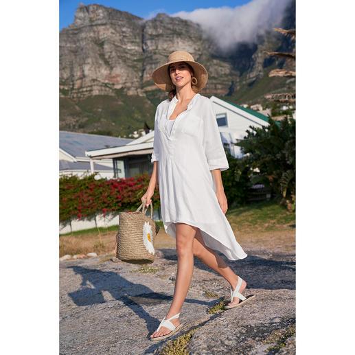 Linnen tuniek van Kultfrau Tuniek, strandjurk, trend-piece en klassieker tegelijk. De witte linnen tuniek van het Duitse label Kultfrau.