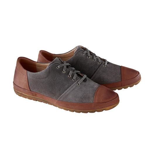 Franz Gustav kalfsleren sneakers Rondom doorgestikt, van chroomvrij, waterafstotend kalfssuède. Van Franz Gustav/Duitsland.