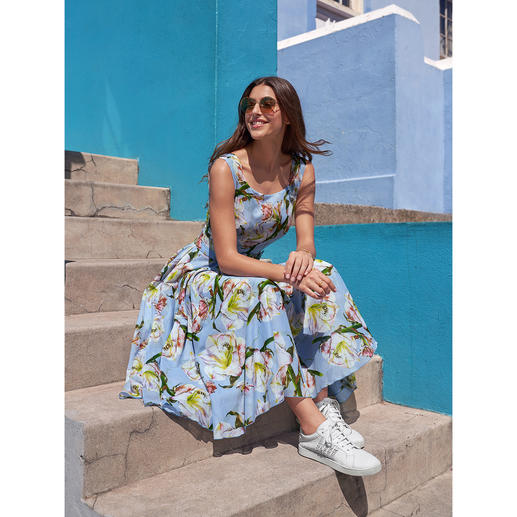 Samantha Sung jurk lelies Lichte katoenen mousseline met altijd modieus bloemdessin. Van de specialist Samantha Sung.