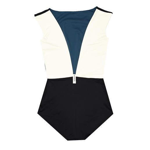 Mymarini keerbare badpak Modellerend badpak dat aan twee kanten is te dragen. Van Mymarini: ethisch verantwoorde surf- & swimwear-merk.
