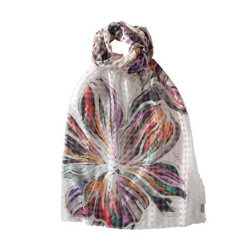 Sjaal met ruiten en bloemenprint Schitterende combinatie: geweven ruiten met bloemenprint. Lichte zomersjaal van katoen en zijde.