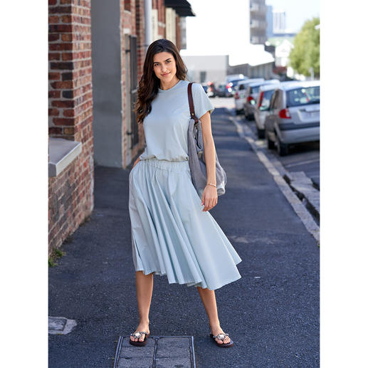 LABO.ART basic-rok of -shirt Basic en eyecatcher tegelijk: de puristisch eenvoudige two-piece set in de modekleur mint.