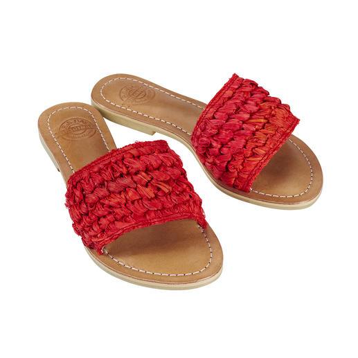 Fashion goes Fair Trade: de handgemaakte gevlochten pantoletten van Bali-BAli®. Fashion goes Fair Trade: de handgemaakte gevlochten pantoletten van Bali-BAli®.