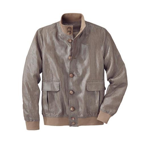 Uniek: klassiek lumberjack van gewaxt linnen. Uniek: klassiek lumberjack van gewaxt linnen. Licht, luchtig en bestand tegen een regenbui.
