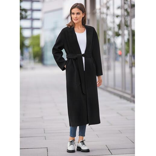 Jas met ceintuur van Betta Corradi De klassieke jas met ceintuur maakt een modieuze comeback.