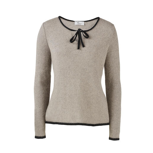 pos•sei•mo trui met strik Uniek Nieuw-Zeelands opossumhaar maakt deze trui heerlijk warm, zacht en licht.