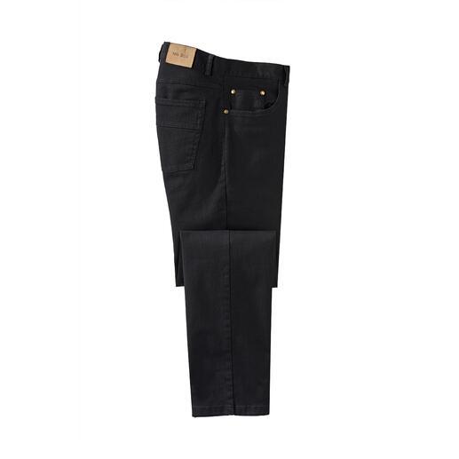 Perma Black-jeans Eindelijk een echt kleurbestendige jeans. Zwart blijft zwart. Na iedere wasbeurt.