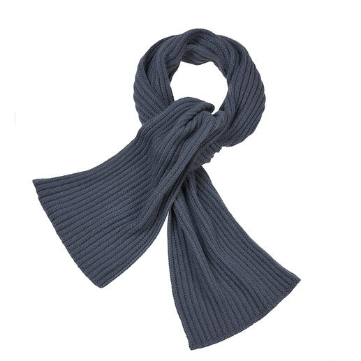 Sjaal van baby-lama Exclusieve baby-lamawol maakt deze sjaal zo heerlijk licht, zacht en warm.
