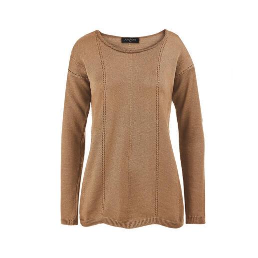 Junghans 1954 trui van merinoswol met schulpzoom Veel interessanter en veel eleganter dan gebruikelijke basic truien en toch net zo gemakkelijk te combineren.