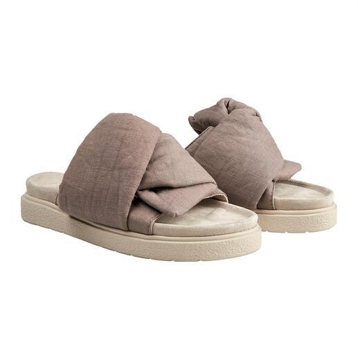 Inuikii slippers met strik Chiquer dan de vele trendy slippers in de look van gezondheidsschoenen, maar net zo comfortabel.