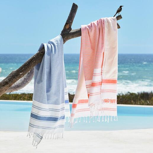 Hamam-badhanddoek Buitenkant: een mooie hamamdoek. Binnenkant: een zachte badhanddoek. En uitgespreid een royaal strandlaken.