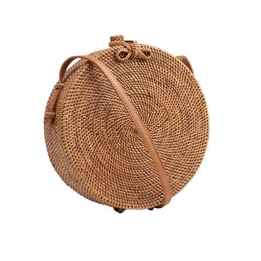Bali-Bali® ronde schoudertas van Ata-gras Veel karaktervoller door het zeldzame Ata-gras en overvloedig handwerk. Van het trendlabel Bali-Bali®.