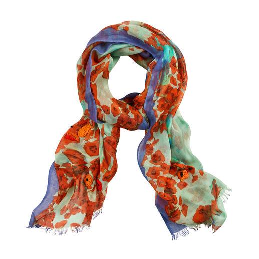 Pashma sjaal met klaproosdessin Met de hand bedrukt met behulp van zeefdruktechniek. Klaprozen gedeeltelijk met de hand geborduurd.