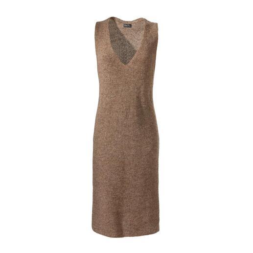 Mouwloze gebreide jurk van alpaca Een echte allrounder, het hele jaar door: mouwloze gebreide jurk van alpaca.