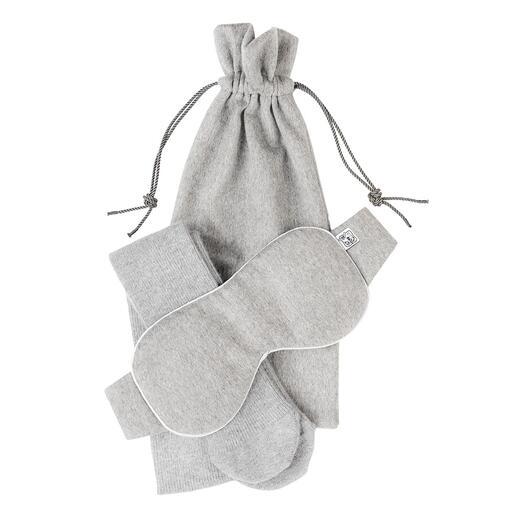 Johnstons kasjmier-verwenset Ontspannen op luxueuze wijze: slaapmasker, sokken en reistas van kostbaar kasjmier.