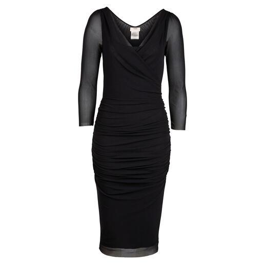 Fuzzi little black dress Slechts 170 gram. Gemaakt van zeldzame, ragfijne tule-jersey. Ontworpen in Italië: door Fuzzi.