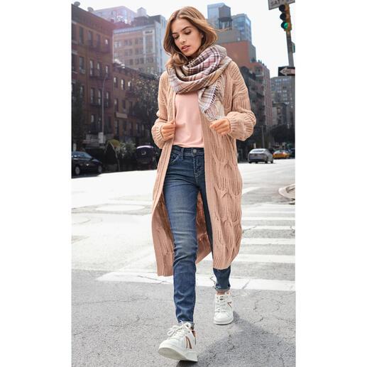 ZOE ONA gebreide jas met verschillende motieven Luxueuze, duurzame klassieker voor een verbluffend goede prijs: gebreide jas van het jonge 'knit- & it-label' ZOE ONA.