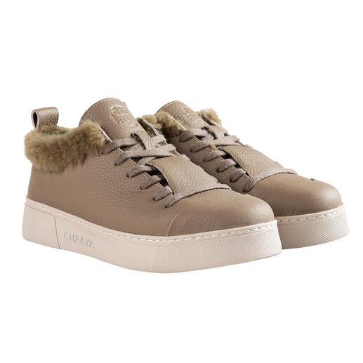 Chaaya sneakers van lamsvacht Stijlvol design. Elegante, cleane look. Voering van zacht lamsvacht. Zeldzaam hoogwaardige verwerking.