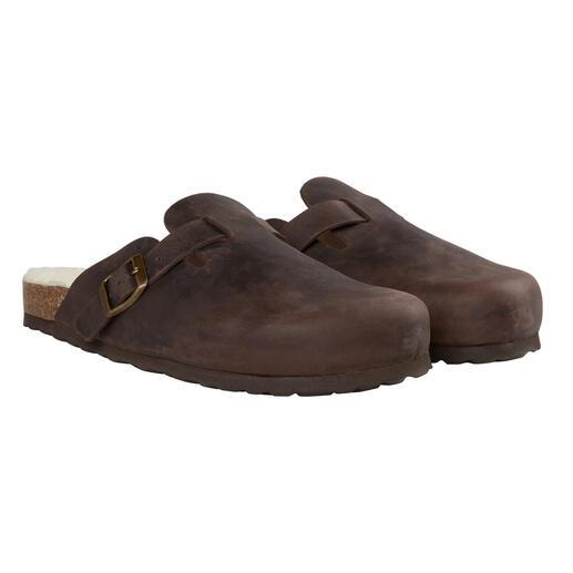 Clogs van rund- en lamsleer Gemaakt van dik, robuust rundleder en met een zacht, warm voetbed van lamsleer.